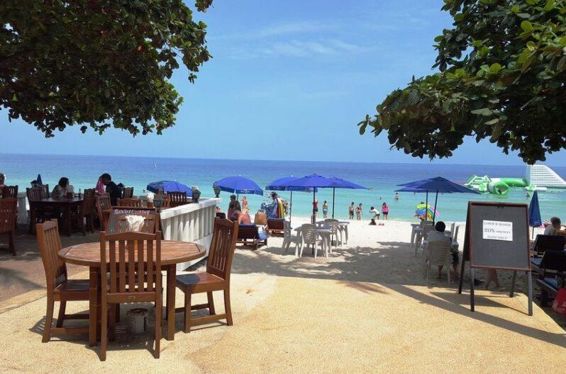 Chaweng Beachcomber Hotel-beach