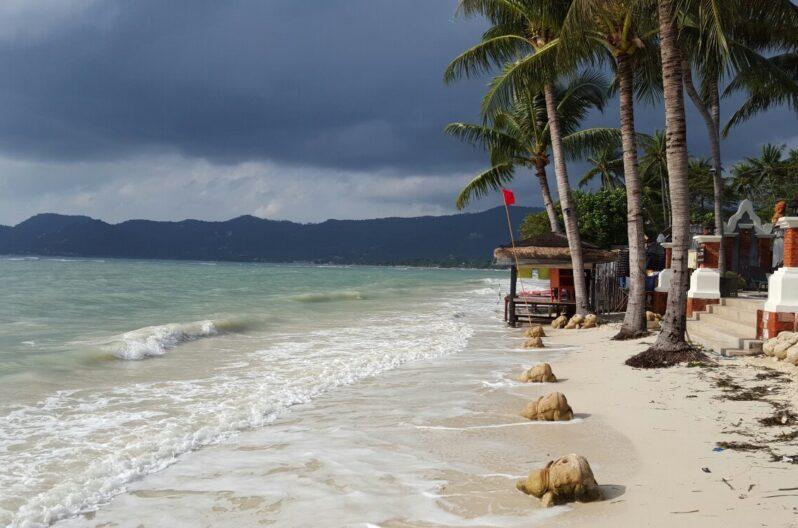 Chaweng Chalet beach