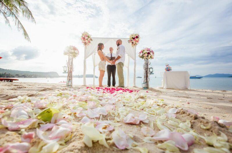 secret-garden-beach-resort-wedding
